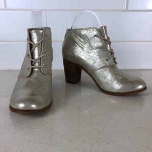 TOMS | Lunata Metallic Gold Lace-Up Booties 7